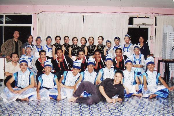Kumpulan Tarian Pertama - Anak Dalam Tok'wi (2005)