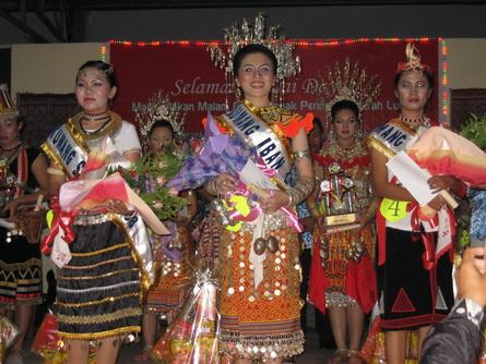 kumang-gawai-lundu-2009