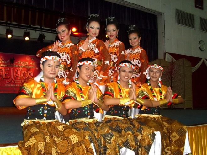 Tarian Sarong - Kategori Joget Kreatif