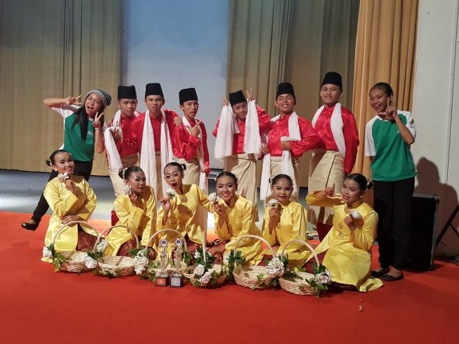 SMK Lundu - Naib Johan Rampaian Melayu dan Ketiga Keseluruhan